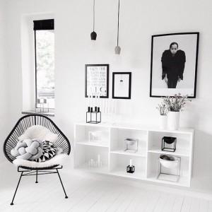 balta-juoda-interjeras